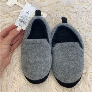 Cat and jack kids slippers